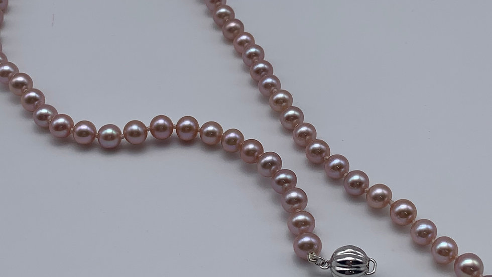 18ct white gold Freshwater Pearl necklace