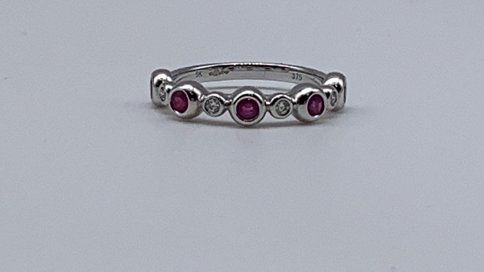 9ct white gold Diamond & Ruby ring