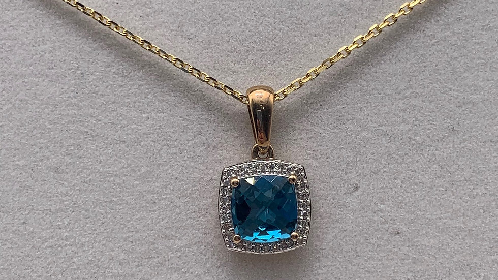 Preowned 9ct yellow gold Diamond & Topaz necklace