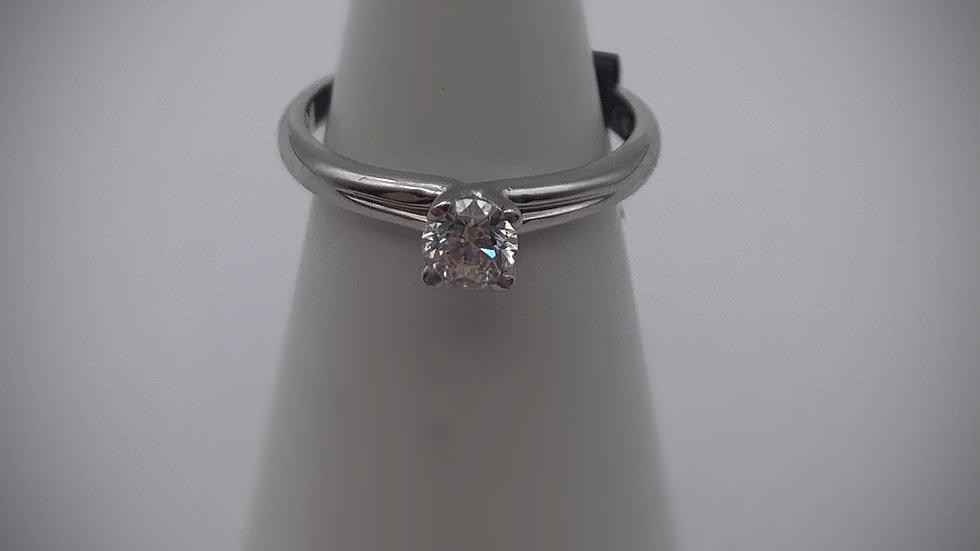 18ct white gold 0.30ct Diamond ring