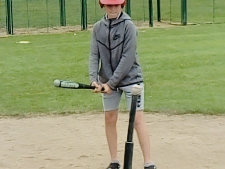 6th class learning baseball with Dublin Hurricanes