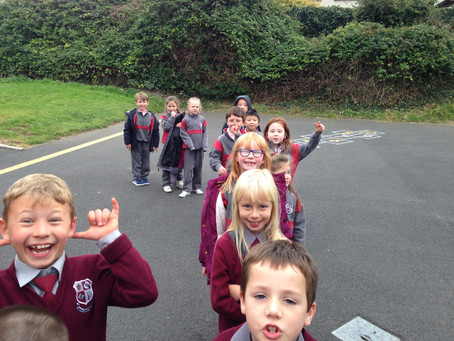 2nd and 3rd Class visit the mobile library