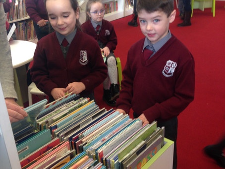 Senior Infants visit Clondalkin Library