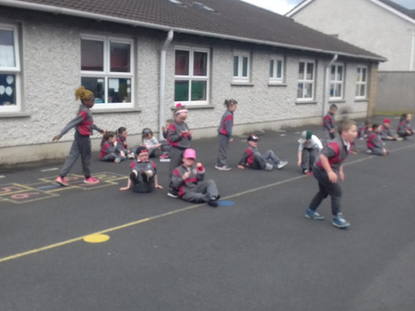 Ms Vesey's Senior Infants enjoy sports day