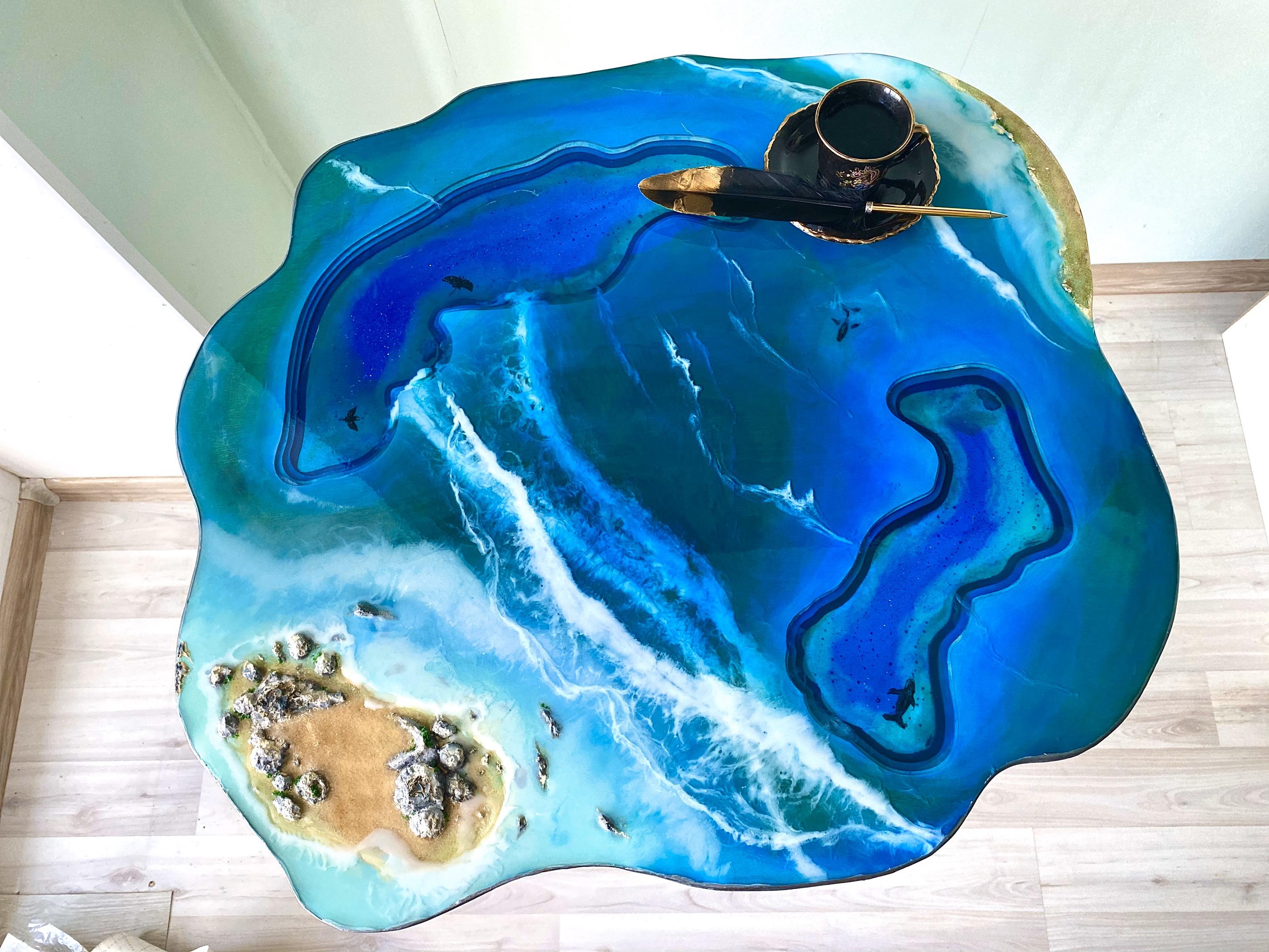 Журнальный столик из эпоксидной смолы море