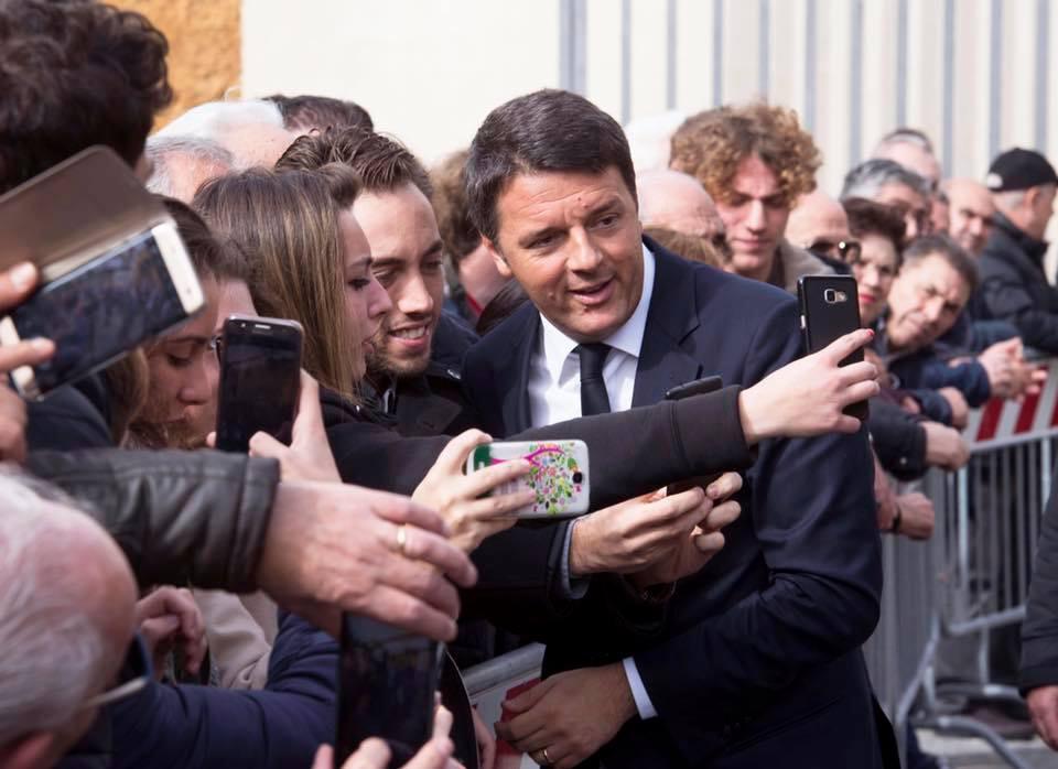 Matteo Renzi a Caltanissetta (dall'account Fb di Matteo Renzi)
