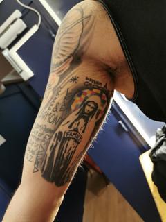 Mon tableau sur le bras d'Adam Gilbert !