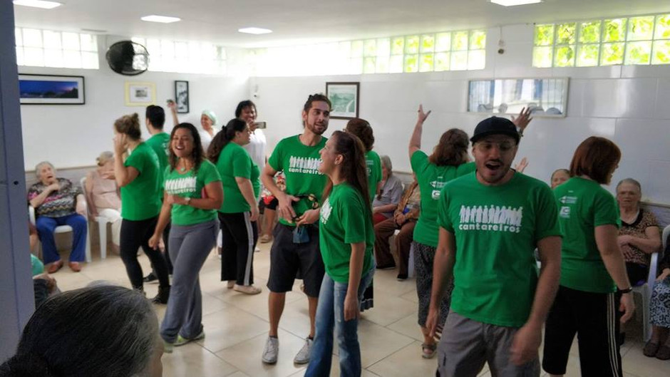 Chalé da Vovó recebe o Projeto Cantareiros