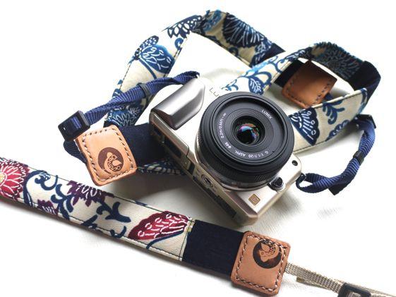 カメラストラップ 紅型反物