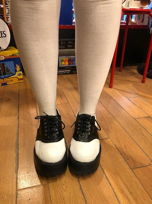 1990s chunky heel saddle shoes
