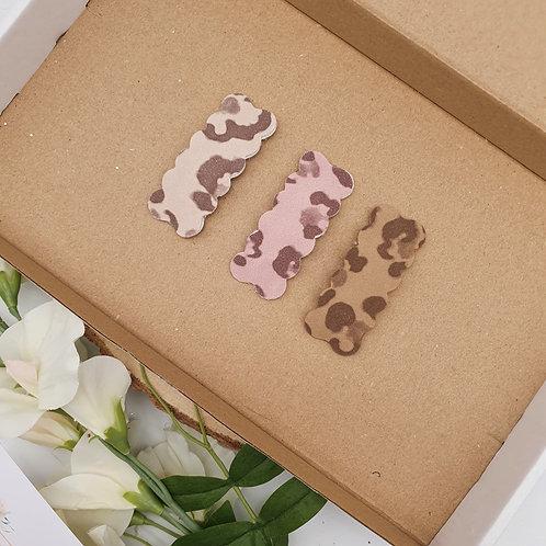 Vegan Suede Leopard Print Scallop Snap Clips