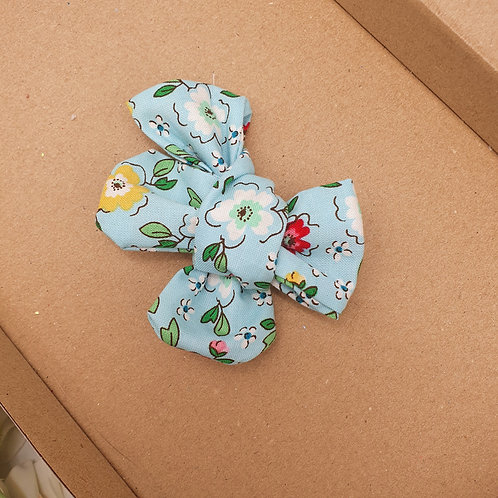 Retro Blue Floral Handtied Classic Bow