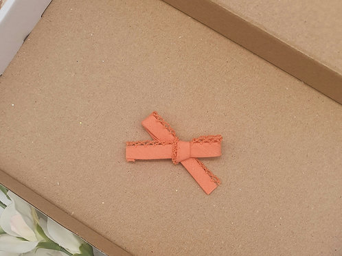 Dainty Lace Edge Classic Bow Orange