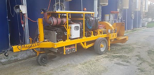 Gebläse für Gras und Mais mit Aufbaumotor VOLVO-Power