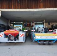 Maissämaschinen warten auf den Einsatz