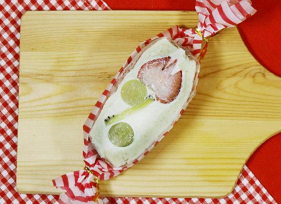 Moe-moe Strawberry blossom (Fruit sandwich)