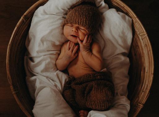 Baby Tristan... frisch geschlüpft / natural Newborn-Shooting at Home