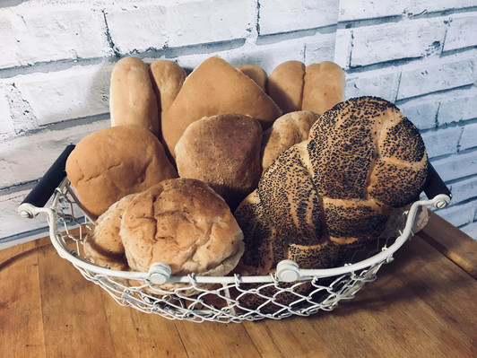 Artisan Selection Basket with Rolls