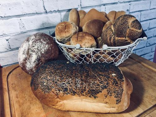 Small Poppy Seed Bloomer & Bread Basket