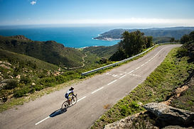 Cycle wonderful landscapes, cycling vacation, bike rental Catalonia