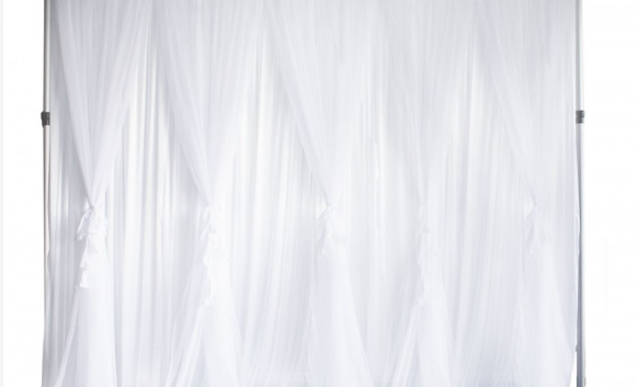 White ruffle tulle backdrop 3x3mt