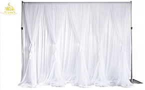White ruffle tulle backdrop 3x3mt wLogo.