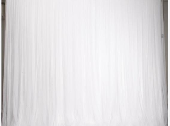 White ruffle tulle backdrop 3x3m