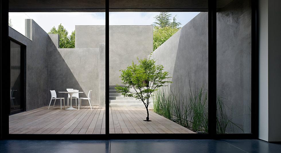 Los Altos Residence: Courtyard