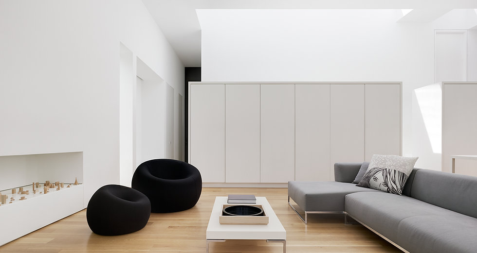 Los Altos Residence: Living Area