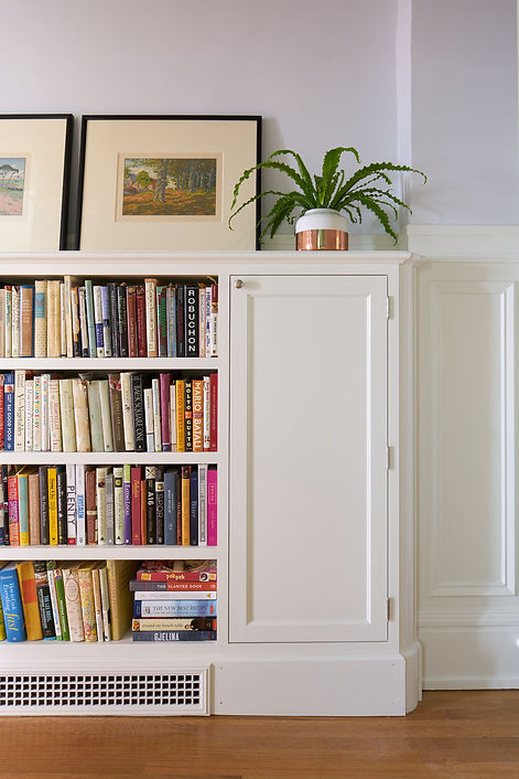 Pacific Heights Residence, built-in bookshelf