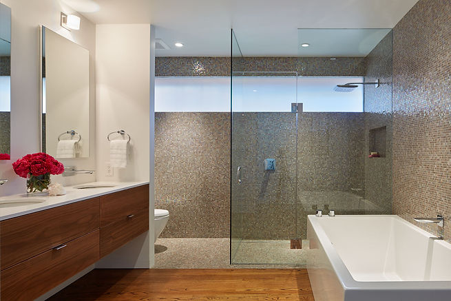 Belmont Residence, full bathroom