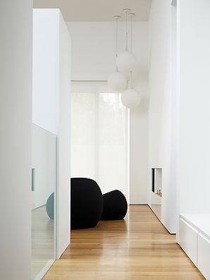 Los Altos Residence: Entryway