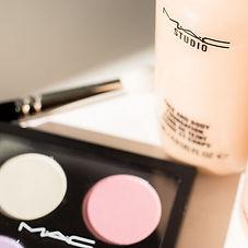 Make-Up und Farbtpalette im Fotostudio Farbtonwerk