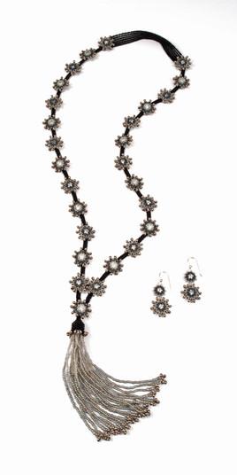 Swinging Starlets in Black & Silver