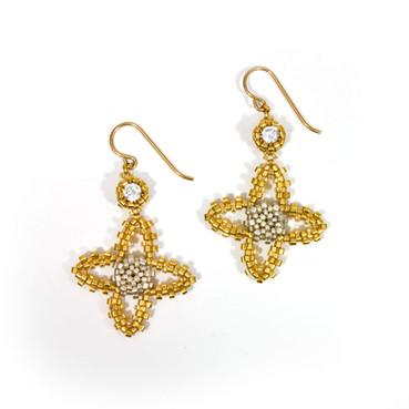 Quatrafoil Earrings Gold.jpg