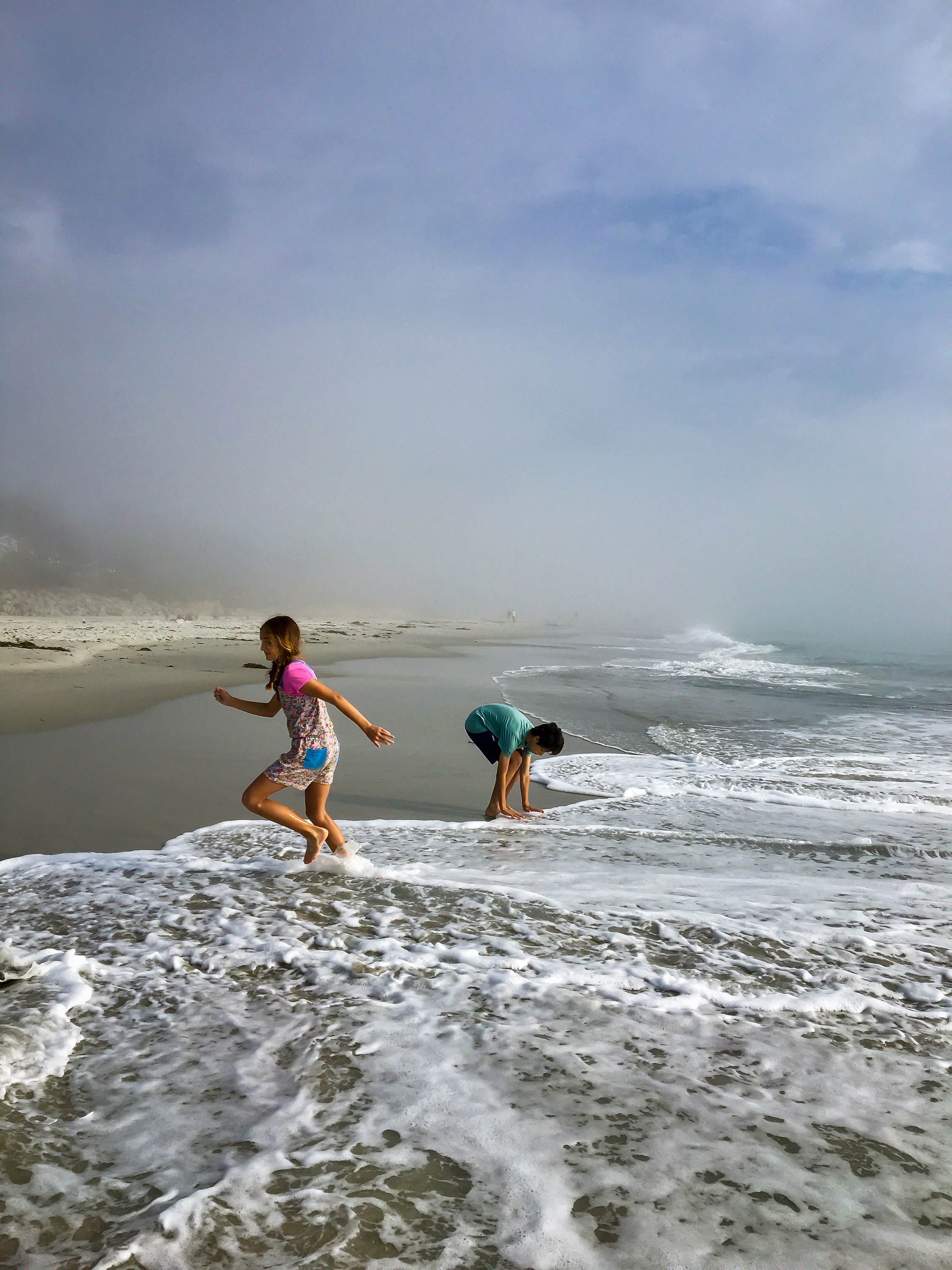 Skipping in mist and foam
