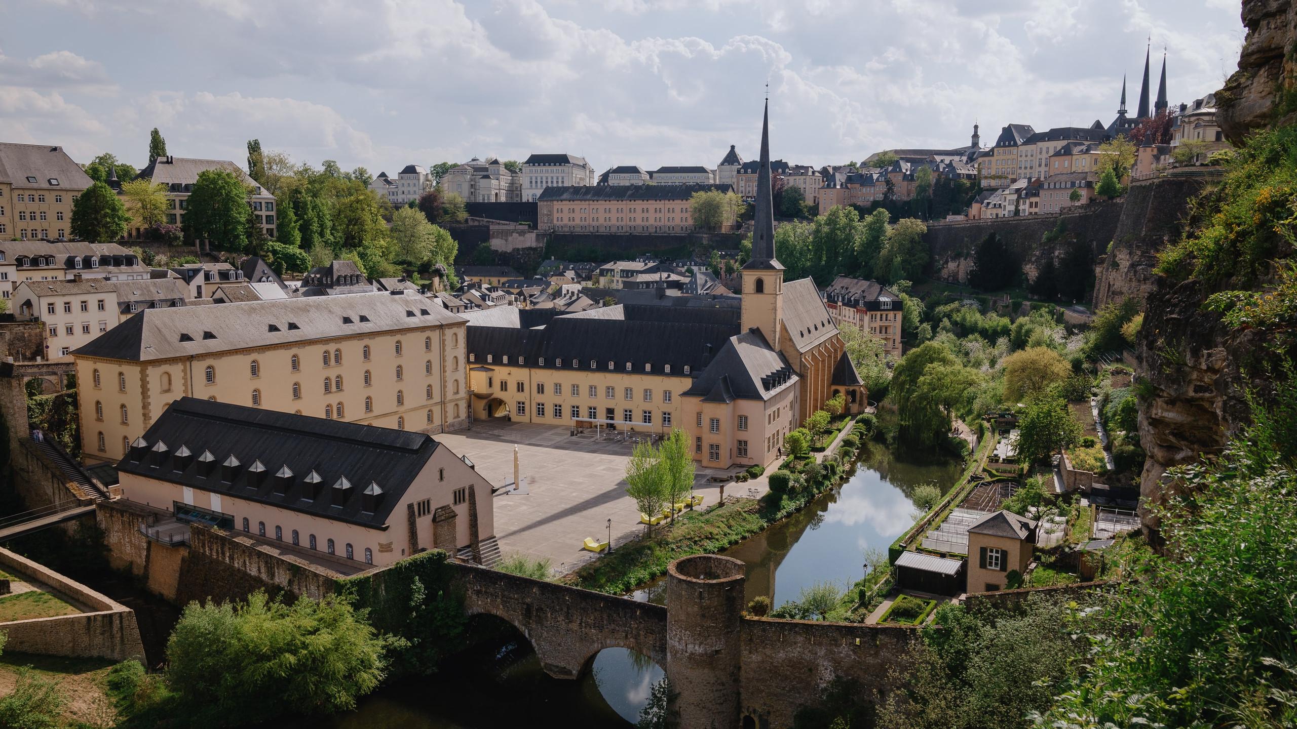 Neumünster - Luxemburg