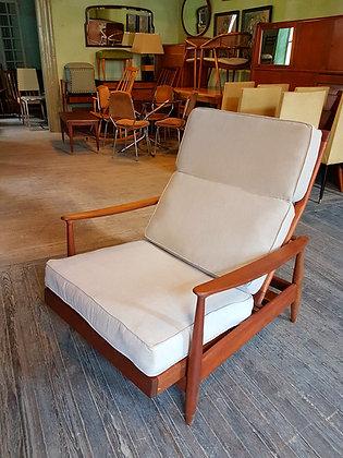 """Sillon Danes """"Lounge Chair"""" XL con piecera extensible"""