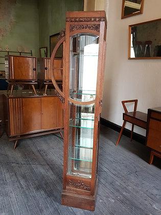 Vitrina Art Nouveau