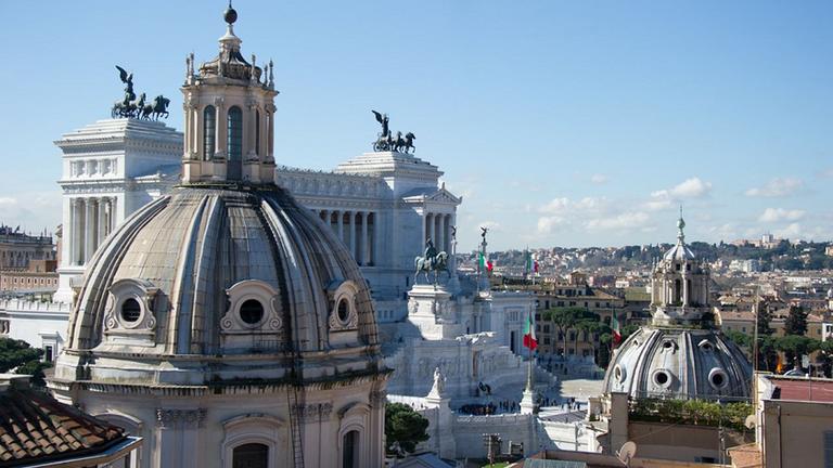 place de venice Rome.png