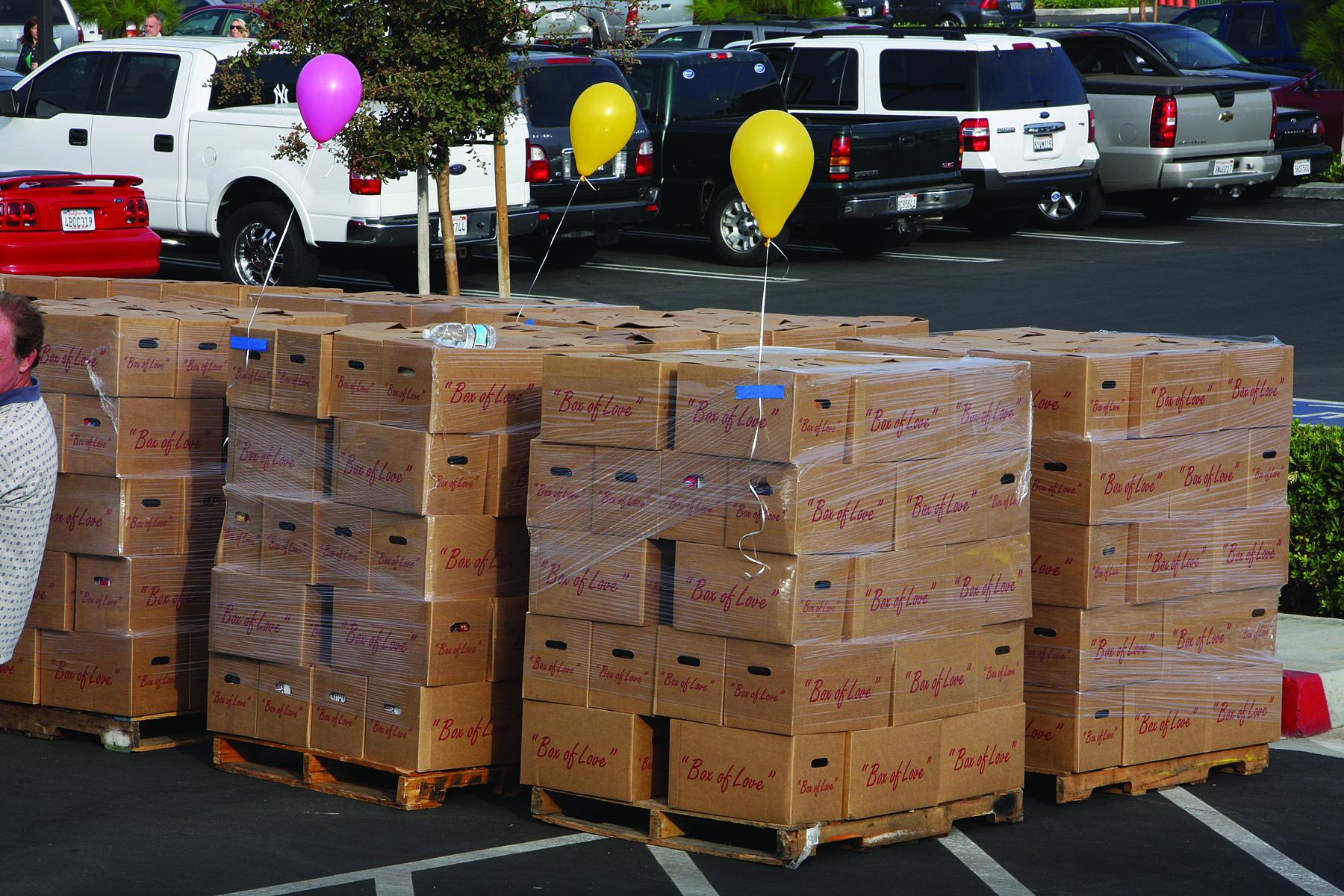 The boxes get pallettes