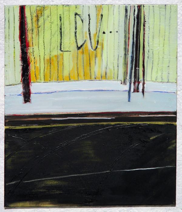 Žlutý dřevěný plot, sníh a asfalt