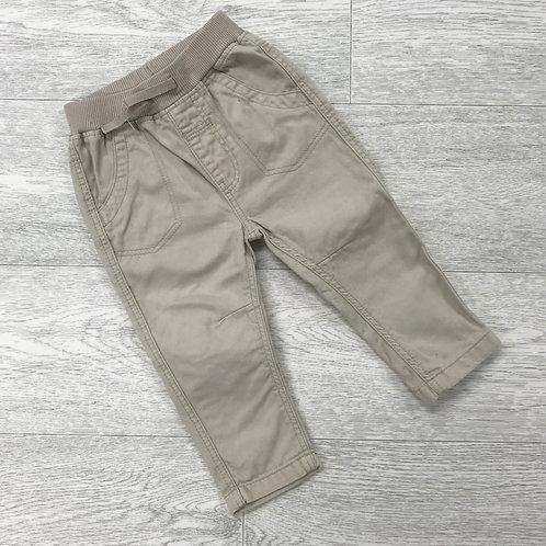 ⚪️H&M soft beige trousers. 6-9 months.