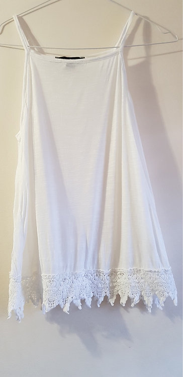 ATMOSPHERE White camisole vest top. Size 10.