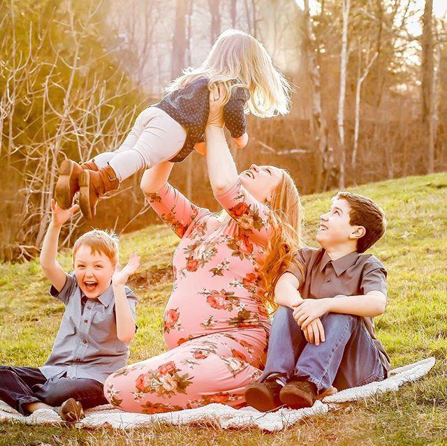 Family, maternity, Golden hour, Duluth MN,  Lincoln Park
