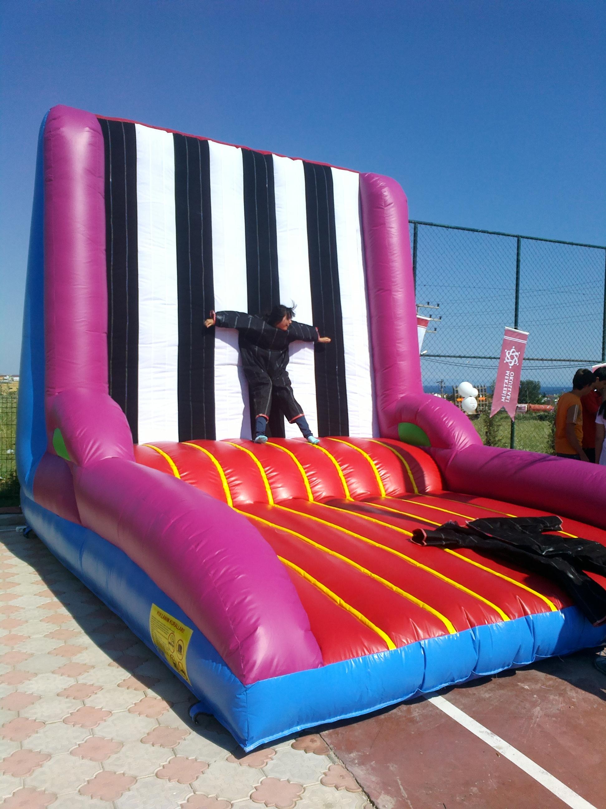 Zıpla Yapış Şişme Oyun Parkı