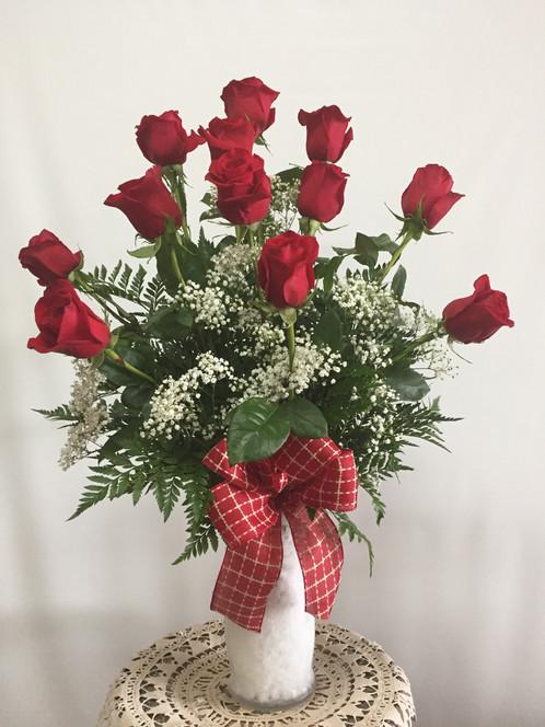 1 Doz Roses In A Vase