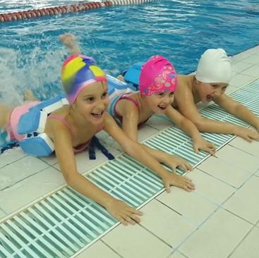 Da li je plivanje idealan sport za vaše dete ?