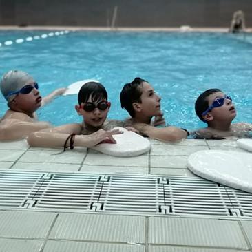 Koliko vremena je potrebno detetu da nauči da pliva?