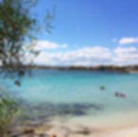 Spiaggia-Mare-e-Rocce-Sardegna.jpg